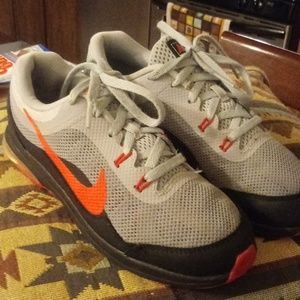 Nike Max Dynasty 2